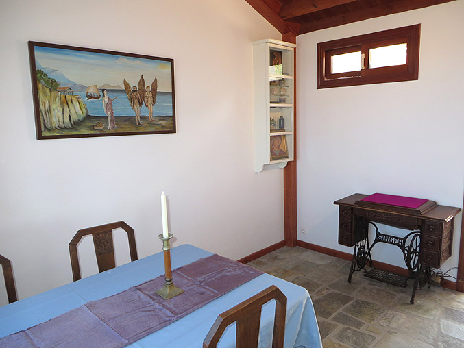 Villa nafkrati luxury seaview 3 bedroom 2 bath house - Dining room living room separation ...